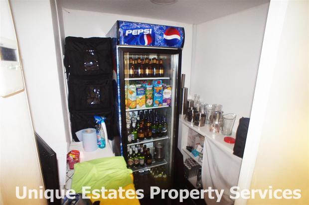 drinks area.JPG