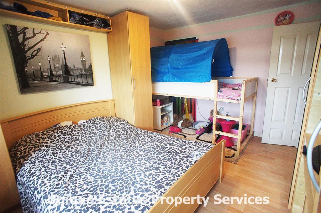 BEDROOM 1 PIC 1.JPG