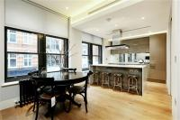 3 bedroom Flat in 168 Wardour Street...
