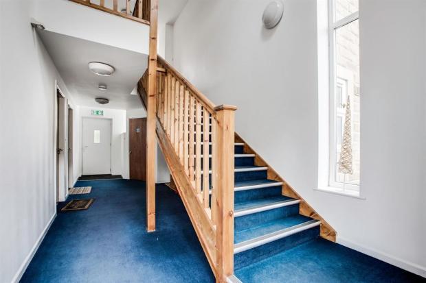 Entrance to apartrments