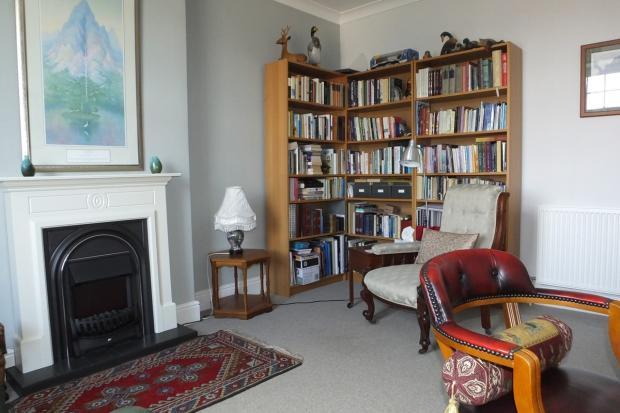 bedroom 2/study/libr