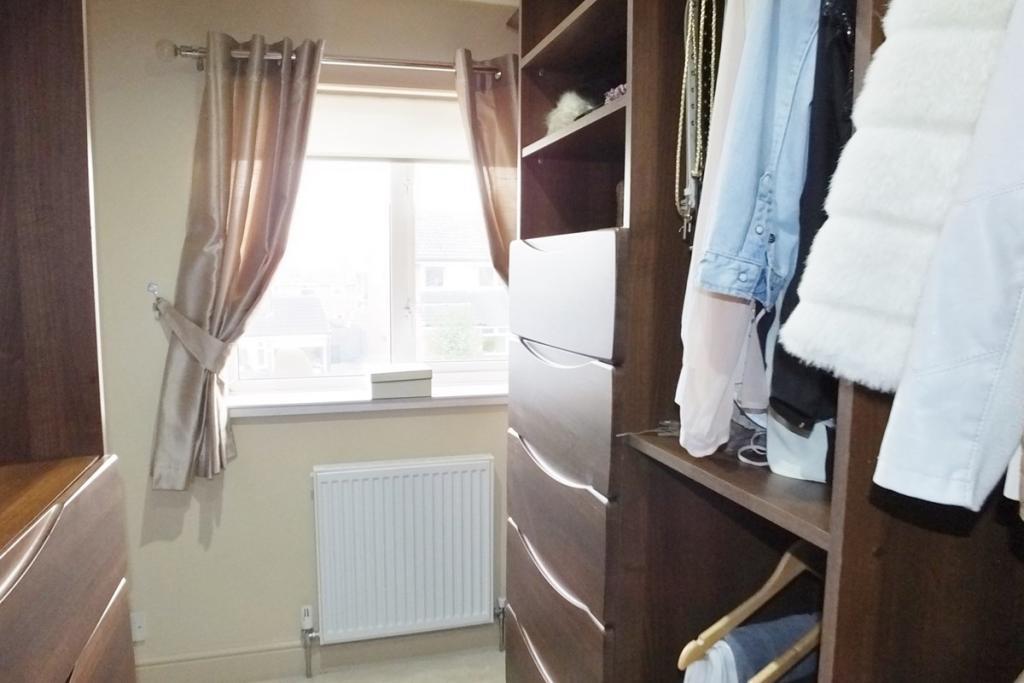 Bedroom 3 / Dressing