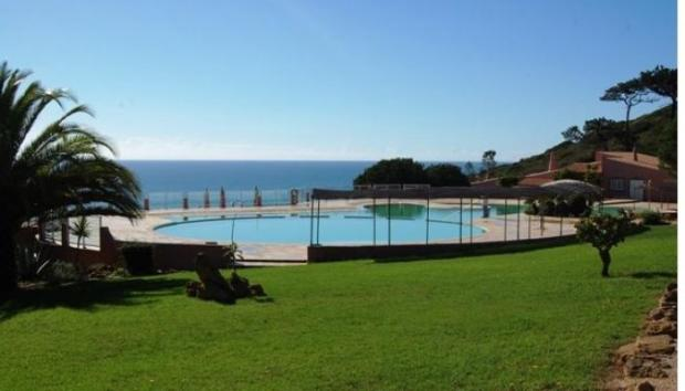 Communal pool and