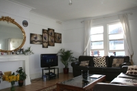 Flat in Twyford Avenue, Acton...