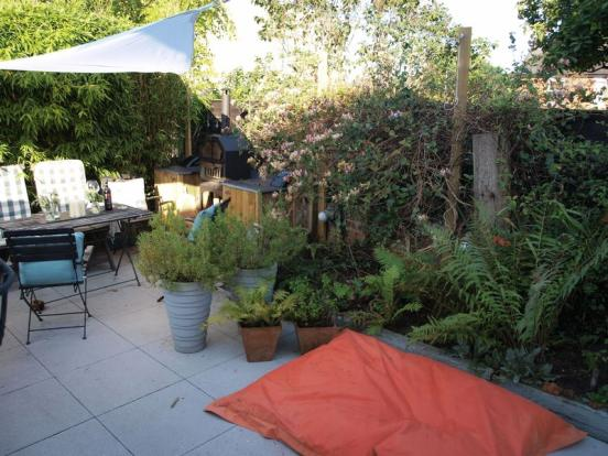 Courtyard Styl...