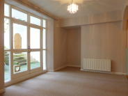 Flat to rent in First Avenue, Hove, BN3