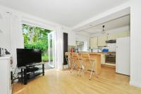 2 bedroom Ground Flat for sale in Kelman Close, London, SW4