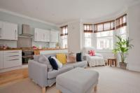 2 bed Flat in Tregothnan Road, London...