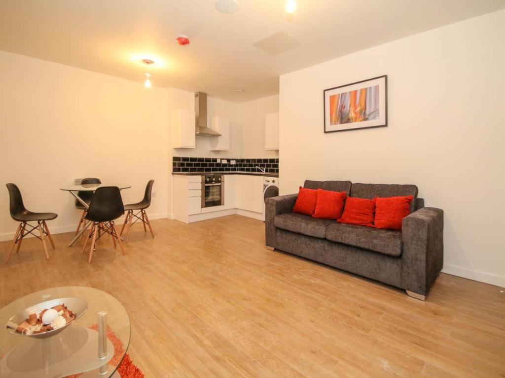 Living Area / Kitche