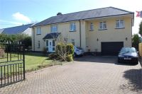 4 bed Detached property for sale in Broadway Road...