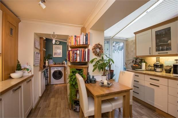 2 Bedroom Terraced House For Sale In Tudor Road Newton Abbot Devon TQ12