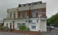 Flat in Cann Hall Road, London...