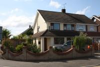 semi detached property to rent in Moreland Avenue...