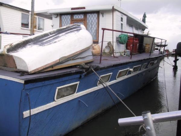 3 Bedroom House Boat For Sale In Main Road Hoo Me3 Me3