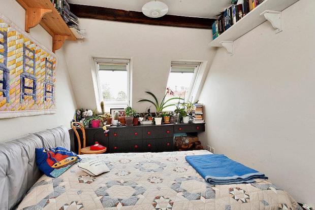 8223189-bedroom1-800
