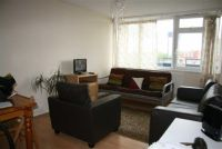 Flat to rent in Charles Square...
