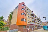 1 bed Apartment in Oakleigh Court...