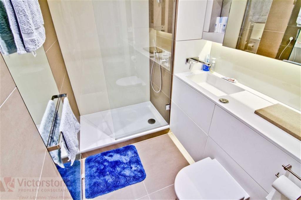 N1C,Bathroom