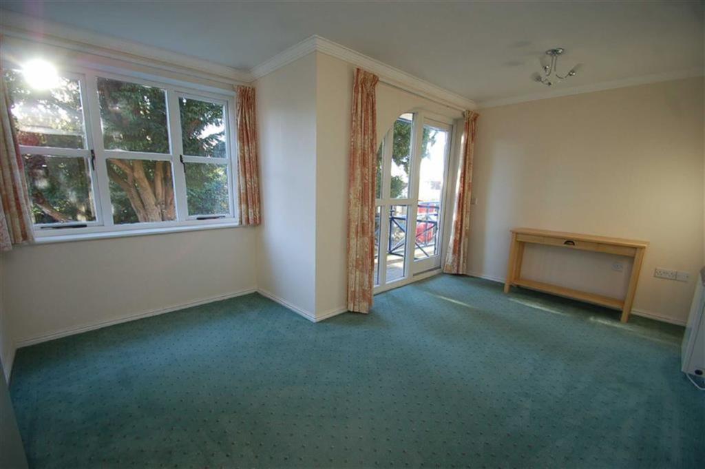 Lounge (with Balcony