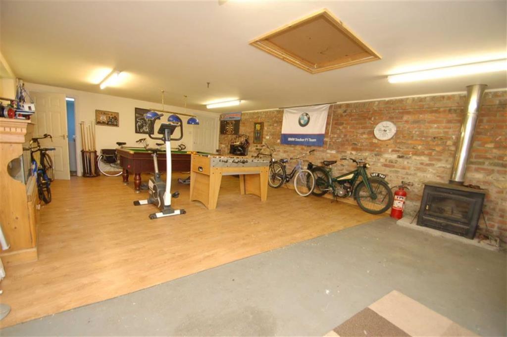 Workshop/Garage