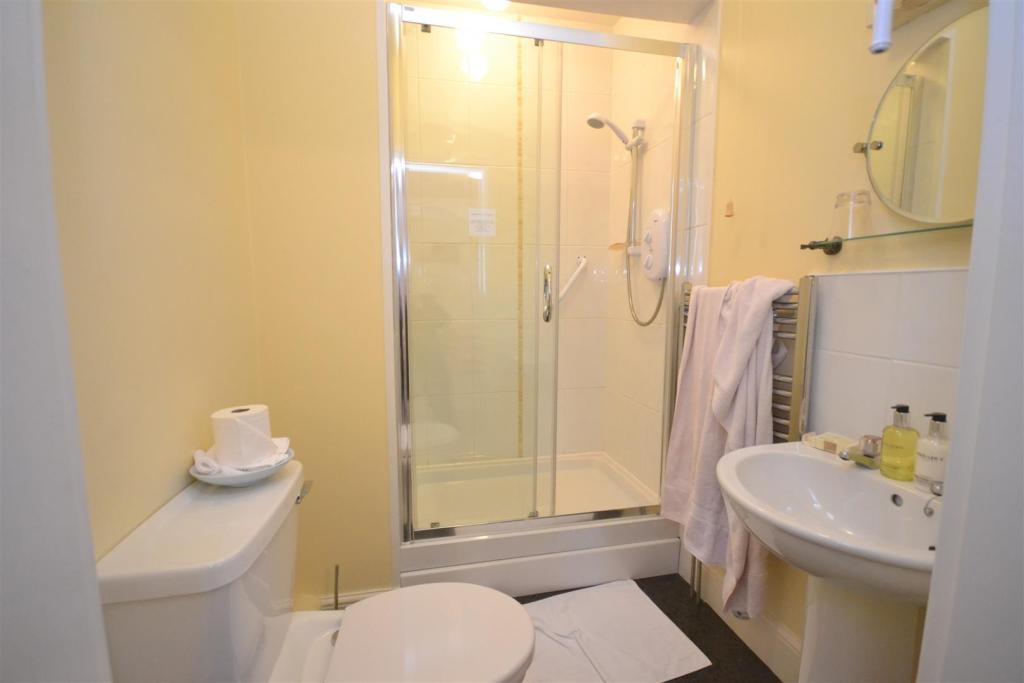 an en-suite shower.J
