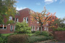 2 bedroom Flat in 1/2, 46 Clarence Gardens...