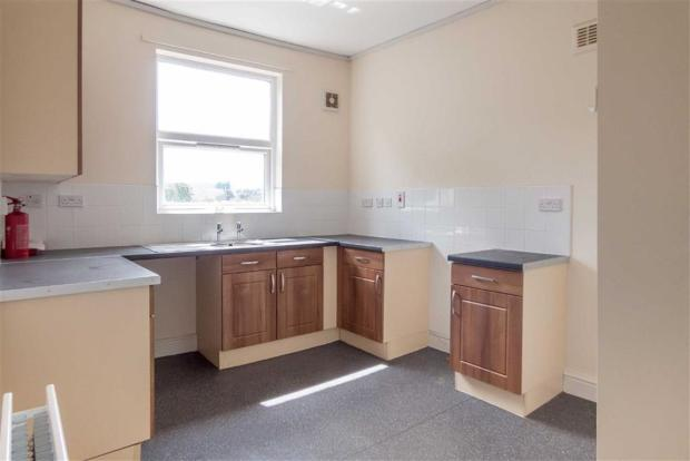 Re-Fitted Kitchen/Di