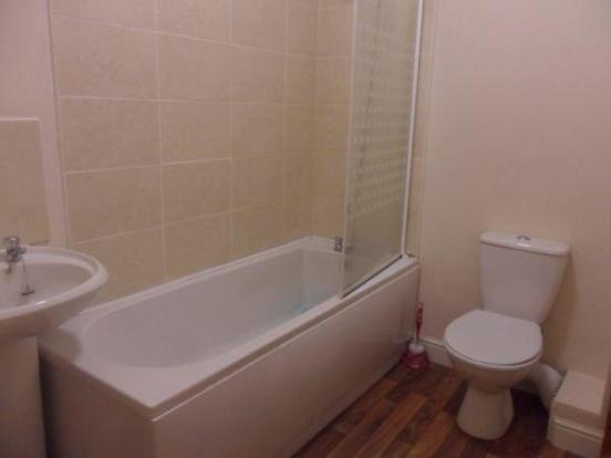 Flat G Bathroom