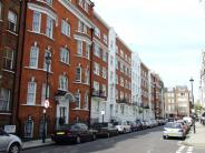 Flat to rent in Maybury Court...