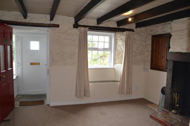 Living Room to Poch