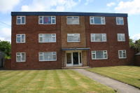 Flat in Steel Road, Northfield...