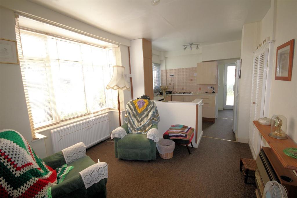 Annexe- lounge & kit