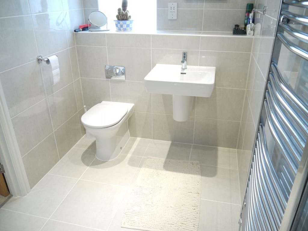 Ladder radiator bathroom design ideas photos for White and cream bathroom ideas