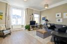 3 bed Maisonette in Warbeck Road Shepherds...