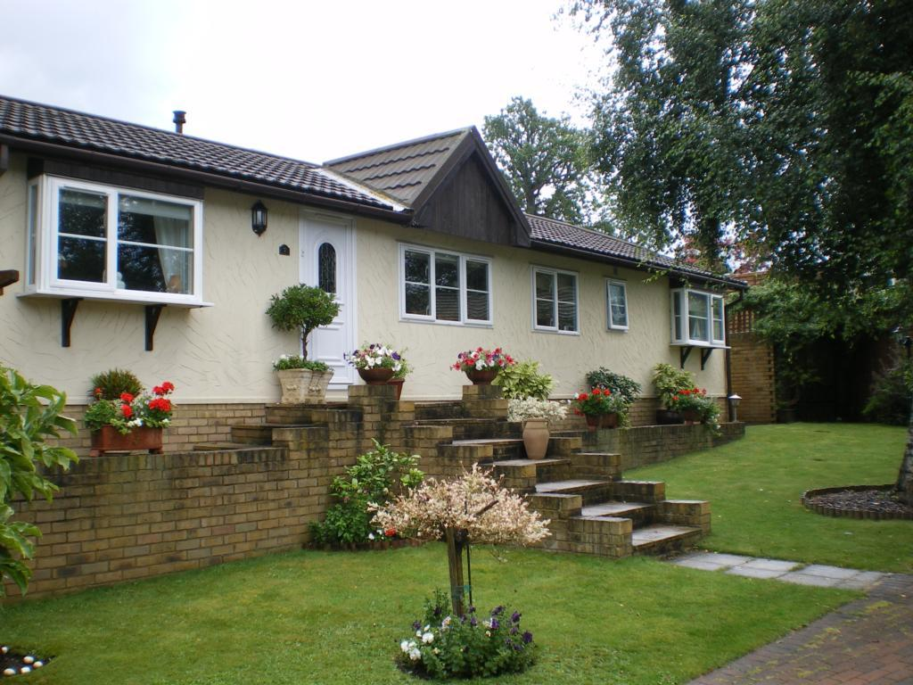 2 bedroom park home for sale in acer close warfield park