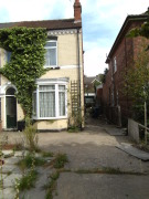 4 bed semi detached house to rent in Lea Road, Gainsborough...