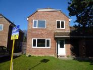 4 bedroom house in Faresmead...