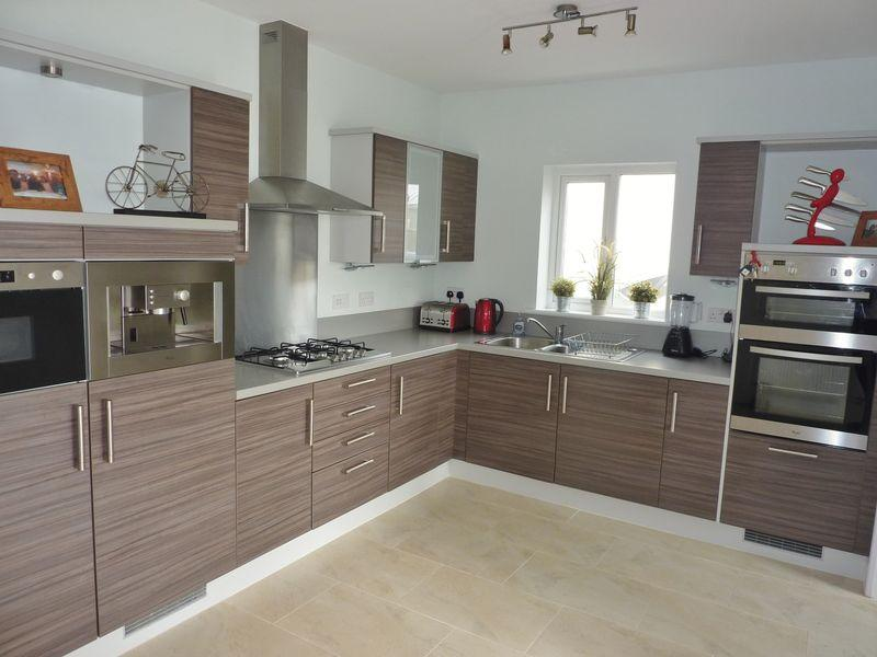 4 Bedroom Detached House To Rent In 3 Ffordd Yr Hebog Parc