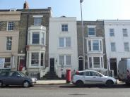 Apartment to rent in Hampshire Terrace...
