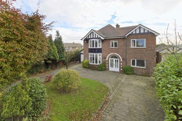4 Bedroom Detached House For Sale In Victoria Road Morley