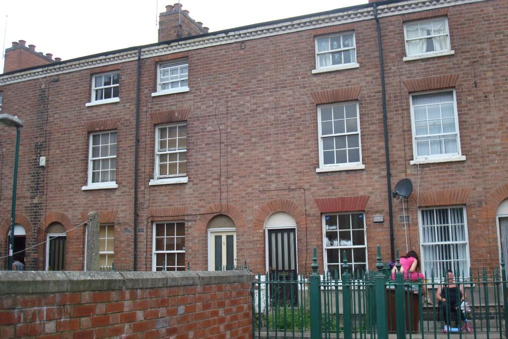 3 bedroom terraced house for sale in 6 robin hood terrace