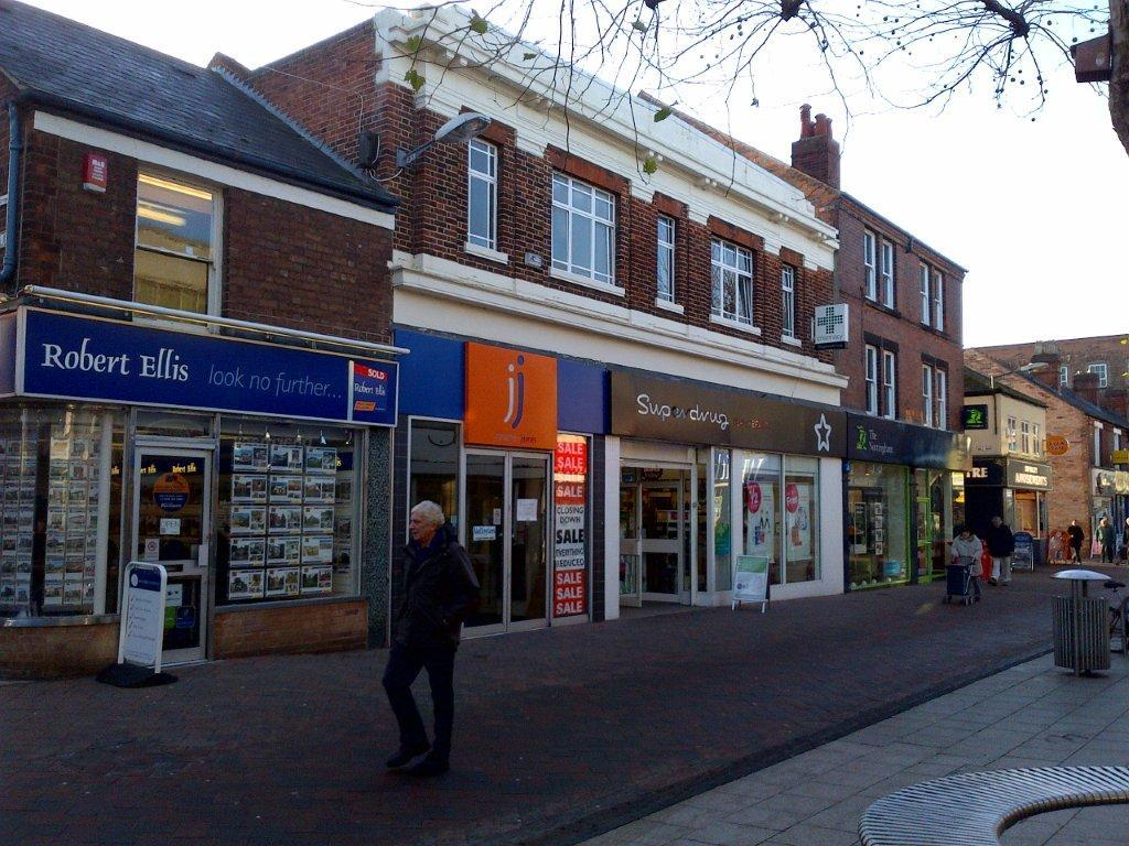 Retail property high street to rent in 36a 36b high for Food bar beeston