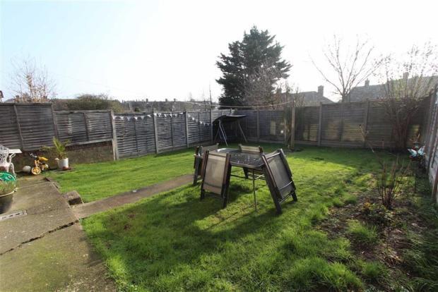 1 Bedroom Flat For Sale In Bushfields Loughton Ig10