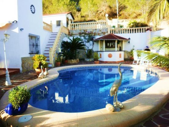 Pool & rear of villa