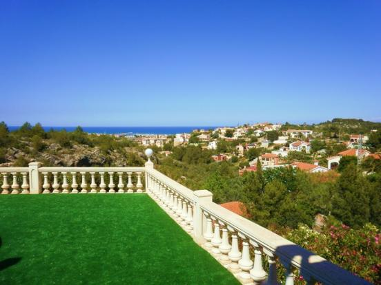 Pool terrace & views