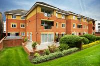 2 bed Flat for sale in Regents Park Road, London
