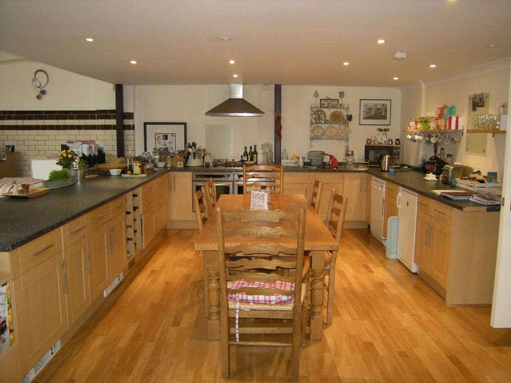 Property 31299565 on Family Room Kitchen Open Floor Plan