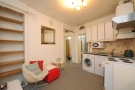 Flat in Berrylands Road Surbiton...