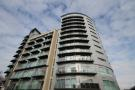 Flat to rent in Queenstown Road...
