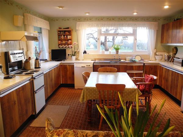 Fantastic Family Sized Kitchen/Breakfast/Living Room